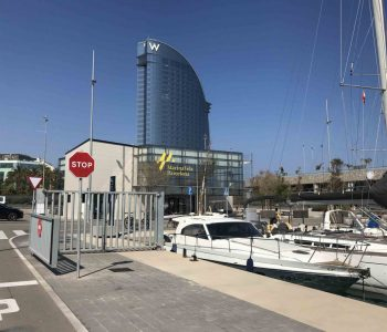 Hotel W Marina Vela Barcelona Spanien Yachthafen Anlegen