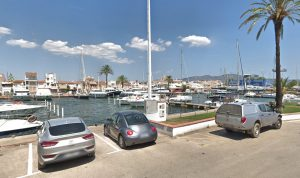 Empuriabrava parking boats